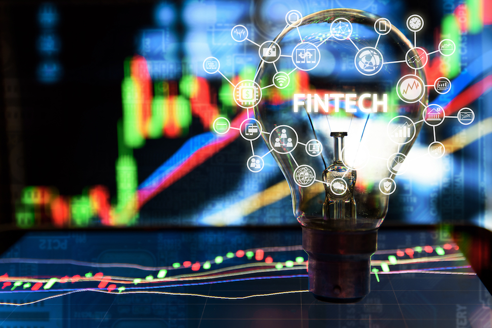 The Great Collaboration Strategy Between Banks and FinTechs